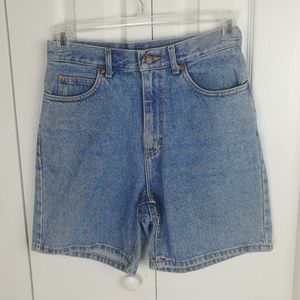Vintage Lee medium wash high rise mom shorts